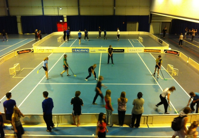 Floorball, een populaire schoolsport