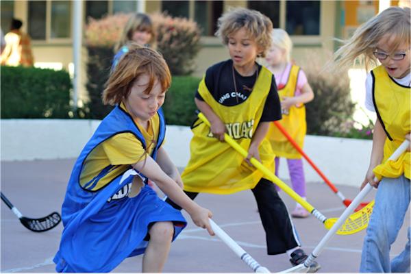 Floorball, een meerwaarde op het beweegaanbod