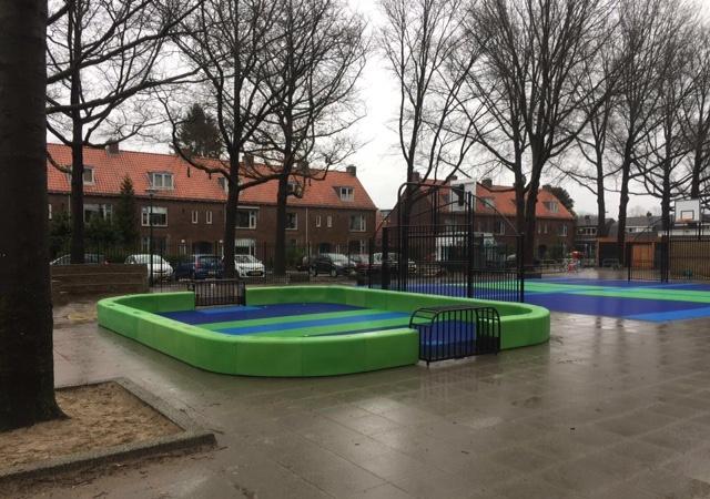 Floorball verovert de schoolpleinen dankzij samenwerking Zoneparc.